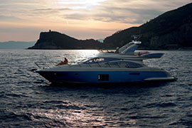 Azimut 60 - External View