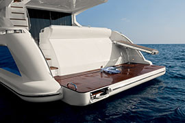 Azimut 60 - Bathing Platform